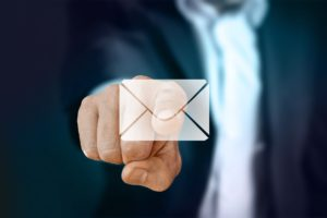 Smart Ways To Mix Blogging With Email Marketing