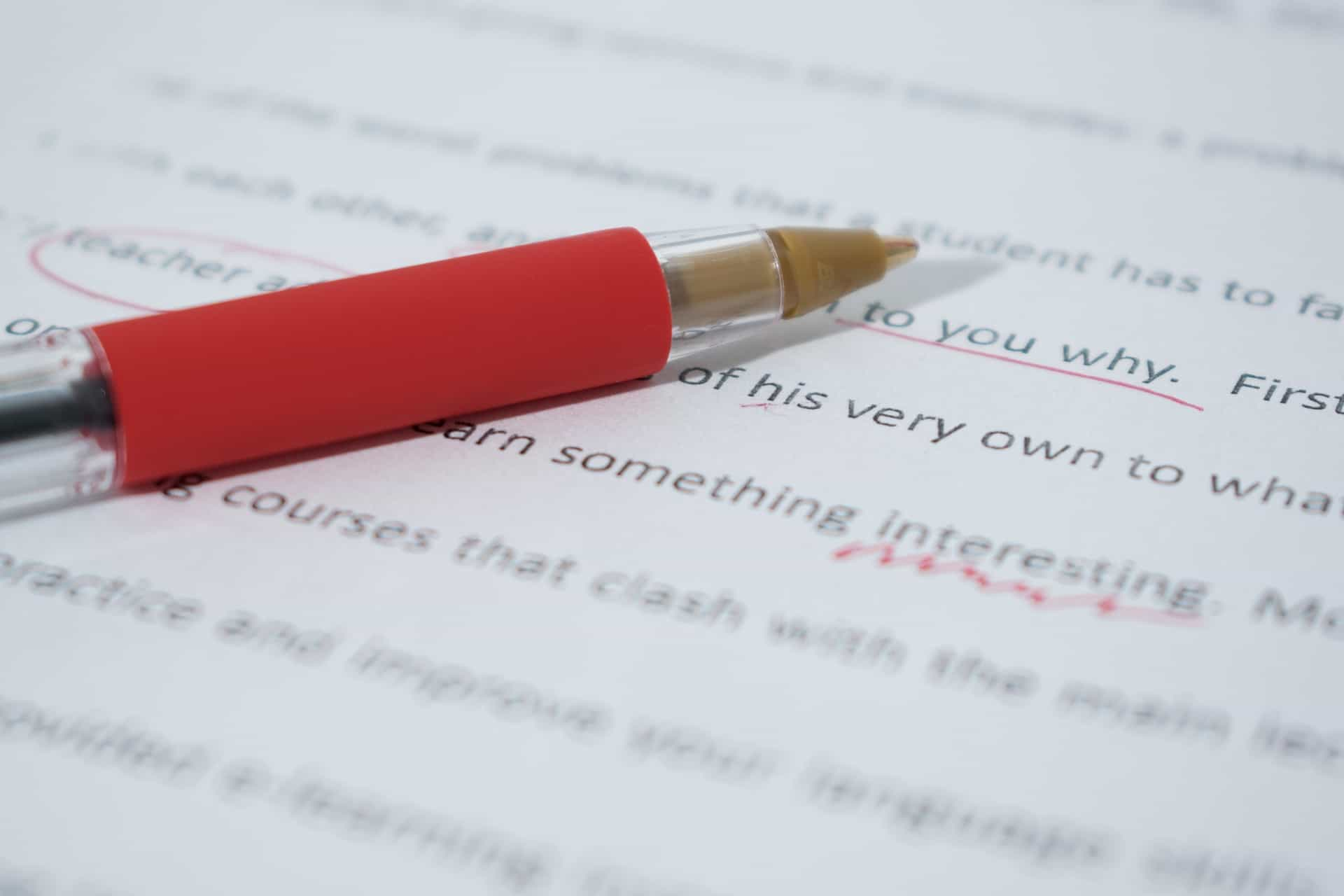 What Are The Differences Between Essay And Report Writing