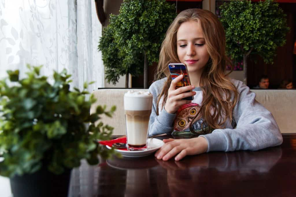 Why Teenagers Love To Have Smartphones