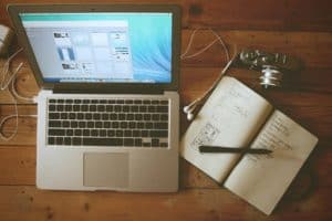 Why Businesses Should Blog 1